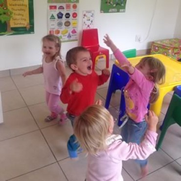Au pair or play school – What's better for your child's development?