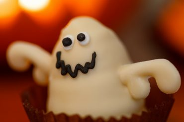 Healthy Halloween treats your kids will love